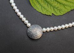 Dirndlschmuck mit Perlen: Trachtenschmuck Collier Martha - Schmuck Steiner Pearl Necklace, Pearls, Elegant, Jewelry, Fashion, Glamour, Neck Chain, Silver, Pattern
