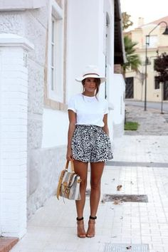 40 ways to wear short-shorts this summer.  Printed shorts with white plain short sleeves tee.