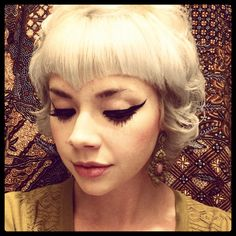 Vintage Hairstyles With Bangs blonde hie with v bangs - Vintage Hairstyles, Hairstyles With Bangs, Cool Hairstyles, Hairdos, Hairstyle Ideas, Updos, V Bangs, Baby Bangs, Pin Up Hair