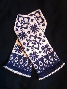 Ravelry: Maud pattern by JennyPenny Mittens Pattern, Knit Mittens, Knitted Gloves, Fair Isle Knitting, Hand Knitting, Knitting Designs, Knitting Patterns, Crochet Dolls, Knit Crochet