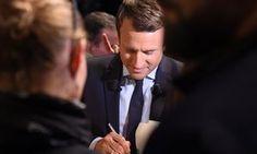 Emmanuel Macron: I'll renegotiate Le Touquet border treaty.(April 28th 2017)
