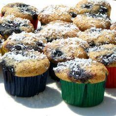 Un dolce facile da preparare, i muffin con farina di riso, mirtilli e cocco perfetti per l'intolleranza al glutine