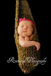 Photography prop only - not to be used without assistant - do not leave baby unattended