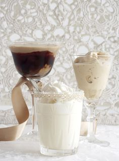 Make 5 dreamy Dom Pedros. This is a very traditional South African dessert/drink and goes well with a BBQ (braai) or more dressier evening. South African Desserts, South African Dishes, South African Recipes, Dessert Glasses, Dessert Drinks, Yummy Drinks, Yummy Food, Dessert Recipes, Fresco