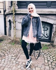 Fashion Arabic Style Illustration Description Denim jacket hijab look-Hijab trend spring fashion – Just Trendy Girls – Read More – Hijab Casual, Hijab Chic, Hijab Outfit, Hijab Fashion Casual, Ootd Chic, Dress Casual, Hijab Trends, Outfit Trends, Style Outfits