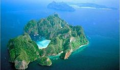 Phi Phi Paradise Tailor-Made Holiday in Thailand As Seen in 'The Beach' - Tailor Made Holidays,