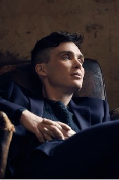 Cillian Murphy as Tomy Shelby Im overly attracted to this character Peaky Blinders Tommy Shelby, Peaky Blinders Thomas, Cillian Murphy Peaky Blinders, Pretty Men, Gorgeous Men, Peaky Blinders Wallpaper, Def Not, Star Hair, Jolie Photo