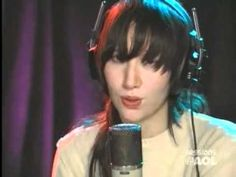 Yeah Yeah Yeahs - Maps (LIVE Acoustic at AOL Sessions)