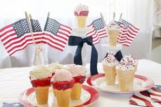 Surprise you little ones this #4thofJuly with these easy #Icecreamcones.