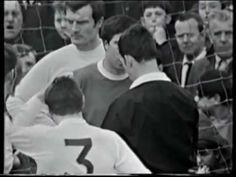 1968/69 Arsenal v Leeds United - Gary Sprake punches Bobby Gould