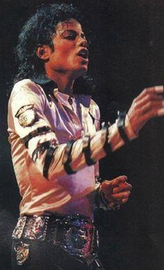 Michael Jackson Tattoo, Michael Jackson Quotes, Michael Jackson Bad Era, Mj Bad, King Of Music, Famous Stars, Beautiful Person, American Singers, Handsome