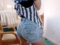 DIY-Mom Jeans to Cute High Waisted Bow Pocket Jean Shorts