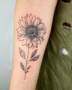 Trendy ideas tattoo female delicate sunflower - Famous Last Words Bff Tattoos, Dope Tattoos, Feather Tattoos, Disney Tattoos, Trendy Tattoos, Finger Tattoos, Body Art Tattoos, Small Tattoos, Sleeve Tattoos