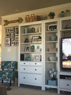 Ikea Hemnes entertainment center in living room - entertainment center ideas living room Ikea Hemnes Living Room, Ikea Hemnes Bookcase, Ikea Bedroom, Rooms Home Decor, Living Room Decor, Living Rooms, Ikea Entertainment Center, Entertainment Products, Ideas Decoracion Salon