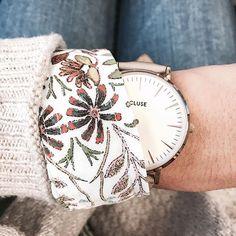 { What time is it ? } ☕⏰ Wake Up les petits 🐼 ! On est déjà jeudi et ça c'est vraiment cool !! Ce weekend il va faire froid, on va en profiter pour aller se lover dans un café avec un bon bouquin !! Vite samedi !!! 🙋🏼🔝❄⏳ Pour les #details du jour ce sera ma montre chouchou @cluse et mon chemisier @promod (ancienne co) !  #details #fashion #mode #lyonnaise #wakeup #cluse #watch #promod #zoom #morning #winter #weekendiscoming #lotd #january #june #babyitscoldoutside #look #potd #igers #iger... Cluse, Lyonnaise, Zoom, Fashion Mode, Up, Instagram Posts, Thursday, Watch