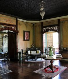 Be a Don and Doña for a Day at an Ancestral House in Taal Heritage Town, Batangas, Philippines Filipino Interior Design, Home Interior Design, Interior Styling, Filipino House, Filipino Art, Philippines House Design, Philippines Culture, Batangas Philippines, Philippine Architecture