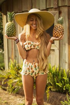 Hate pineapples but I love this bikini Summer Of Love, Summer Wear, Summer Time, Summer Outfits, Cute Outfits, Looks Party, I Need Vitamin Sea, Mode Shoes, Style Boho
