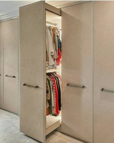 Comment one word to describe this walkin closet. Dont forget to Share your thoughts Credits : laurahammett.interiors via interior_deco_passion . Wardrobe Room, Wardrobe Design Bedroom, Bedroom Furniture Design, Home Decor Furniture, Space Saving Furniture, Wardrobe Door Designs, Closet Designs, Home Room Design, Home Interior Design