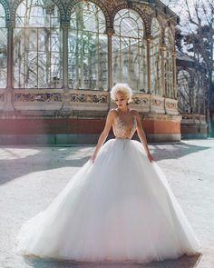 "4,080 To se mi líbí, 31 komentářů – Endrit Mërtiri📷 (@endritmertiri) na Instagramu: ""The queen of Palacio Cristal ✨#glamsquad @elena_lika @frederikaartimartesor @makeupbysuela…"""