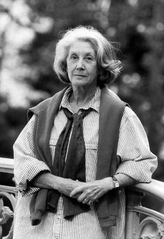 Nadine Gordimer, Novelist Who Took On Apartheid, Is Dead at 90 Nadine Gordimer, No Quarter, Apartheid, Nobel Prize, Gwyneth Paltrow, Ny Times, Writer, Fiction, African