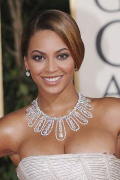 Beyonce - Beyonce The Effective Pictures We Offer You About diy face mask sewing pattern A quality picture c - Style Beyonce, Beyonce Beyonce, Beyonce Photos, Beyonce Makeup, Blue Ivy Carter, Beyonce Knowles Carter, Evening Makeup, Destiny's Child, Joss Stone