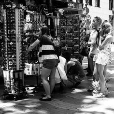 Shopping in Las Ramblas by Oscar Díaz, via 500px