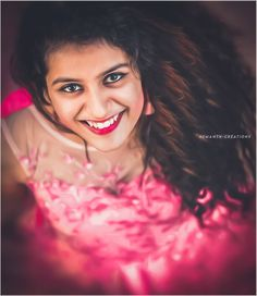 Teen Girl Photography, Photography Poses Women, Girl Photography Poses, Beautiful Girl Photo, Beautiful Girl Indian, Beautiful Indian Actress, Cute Girl Poses, Cute Girl Pic, Girl Pictures