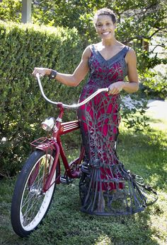 Bicycle inner tube dress.  Alternate fashion materials | www.statesman.com