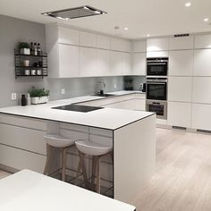 Uplifting Kitchen Remodeling Choosing Your New Kitchen Cabinets Ideas. Delightful Kitchen Remodeling Choosing Your New Kitchen Cabinets Ideas. Nordic Kitchen, Scandinavian Kitchen, New Kitchen, Kitchen Dining, Kitchen Decor, Kitchen Ideas, Kitchen White, Kitchen Furniture, Scandinavian Modern