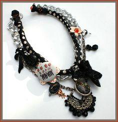 Funky Halloween Necklace.  Looks like Betsy Johnson :)