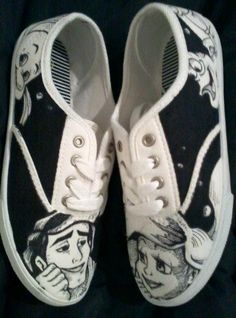 Hand drawn, one of a kind Little Mermaid shoes. If you want a pair of your own custom shoes, send me a message with your shoe size and what you want on them! Prices: $44.99 plus shipping.