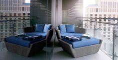 wraparound_terrace_suite_02