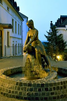 Veszprém - Magyarország #veszprém #magyarország #hungary Hotel Deals, Photos, Pictures, Watercolor, Statue, Architecture, World, City Landscape, Budapest
