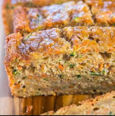 Carrot Zucchini Bread - Fast easy one bowl no mixer! Super soft moist and tastes so good you'll forget it's on the healthier side! Carrot Zucchini Bread, Carrot Bread Recipe, Zucchini Bread Recipes, Healthy Zucchini, Apple Bread, Zucchini Cake, Banana Recipes, Apple Recipes, Easy Recipes