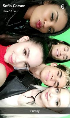 Descendants 2 cast The Descendants, Disney Descendants Movie, Descendants Characters, Descendants Pictures, Cameron Boyce, Mal And Evie, Booboo Stewart, China Anne Mcclain, Image Film