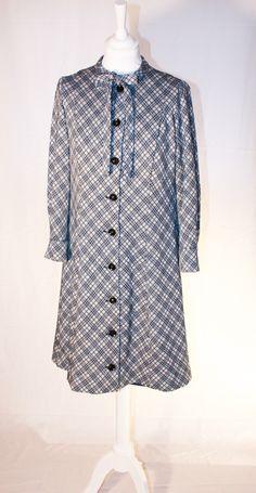 vintage handmade warm winterdress Roxy, Warm, Retro, Handmade, Vintage, Women, Fashion, Moda, Hand Made
