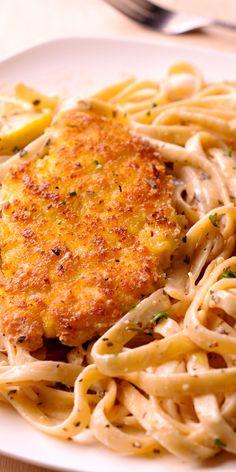Lemon Garlic Chicken Pasta, Parmesan Crusted Chicken, Creamy Garlic Pasta, Healthy Chicken Pasta, Garlic Chicken Recipes, Pasta Food, Chicken Breast Recipes Healthy, Recipe Chicken, Easy Chicken Dinner Recipes