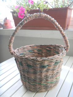 Gazeteyle Sepet Yapımı / Newspaper Basket - TUTORIAL