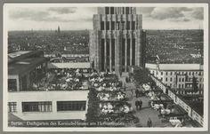 """Berlin-Neukölln, Kaufhaus Karstadt, Herrmannplatz (1927–29 erbaut von Philipp Schaefer). """"Berlin. Dachgarten des Karstadt-Hauses am Hermannplatz"""". Fotopostkarte, undat. (um 1937)."""