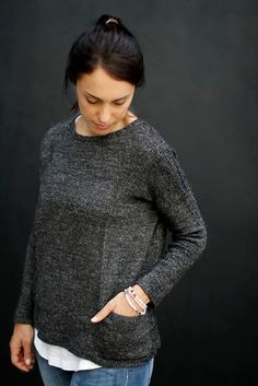 """Ravelry: """"Granito"""" pattern by Joji Locatelli ~ Sport wt. Top-down seamless Pullover with Pockets. This pattern was designed as part of the """"Favorite Things"""" collection. Free Knitting Patterns For Women, Sweater Knitting Patterns, Hand Knitting, Knitting Ideas, Knitting Sweaters, Knitting Projects, Online Yarn Store, What Is Fashion, Tejidos"""