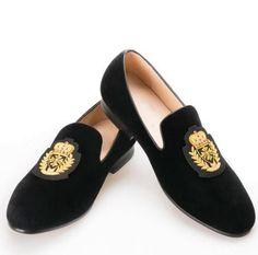 Black Embroidered Velvet Loafers is part of Velvet loafers mens - SPECIFICATIONS Closure Type SlipOn Toe Shape Round Toe Material Velvet Insole Material Cotton Style Embroidery Pattern Type Solid Color Black Velvet Loafers Mens, Mens Loafers Shoes, Loafers Outfit, Men S Shoes, Loafer Shoes, Velvet Slippers, Velvet Shoes, Gucci Men, Burberry Men