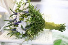 Risultati immagini per bouquet sposa erbe aromatiche lavanda