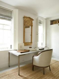 The antique mirror pops on the white walls.antique meets modern to perfection! Office Nook, Home Office, White Rug, White Walls, Bunny Mellon, Bedroom Sitting Room, Library Inspiration, Charleston Homes, Home Decor Mirrors