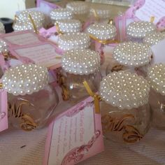 Cute idea for favors! Mason Jar Crafts, Mason Jars, Diy Y Manualidades, Bottles And Jars, Vintage Roses, Party Favors, Favours, Diy And Crafts, Wedding Decorations