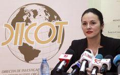 Alina Bica, arestată preventiv în dosarul despăgubirilor pentru un teren supraevaluat cu peste 60 de milioane de euro, a demisionat de la şefia DIICOT, dar şi din funcţia de procuror al Direcţiei