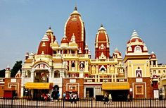 Sri Vinayaka Mandir is one of the oldest in Delhi and has visitors in thousands in a day.
