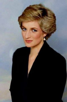 1990 02 26 One of a selection of new portraits of Diana by Terence Donovan