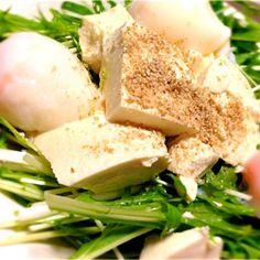 水菜とお豆腐、そして温玉乗っけゴマ乗っけ♥ - 62件のもぐもぐ - 豆腐サラダ♥ by ekyon