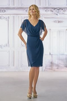 Sheath/Column V-neck Knee-length Mother of the Bride Dress With Ruching
