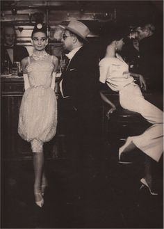 Audrey Hepburn and Art Buchwald at Maxim's - Sepember 1959 - Dress by Yves Saint Laurent for Dior - Photo by Richard Avedon (American, - 'Paris Pursuit' - Watsonette Givenchy, Valentino, Richard Avedon, Yves Saint Laurent, Elsa Peretti, Golden Age Of Hollywood, Vintage Hollywood, Carolina Herrera, Moon River
